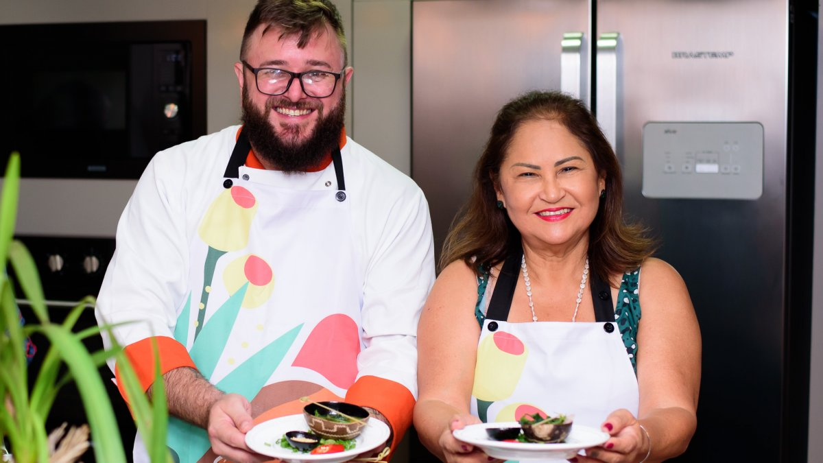 Chef Thiago Dal Cortivo e Fernanda Nakai mostram as delícias amazônicas servidas no jantar